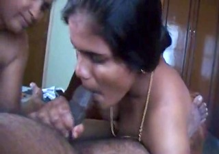 desi indian aunty and not her daughter suck cock