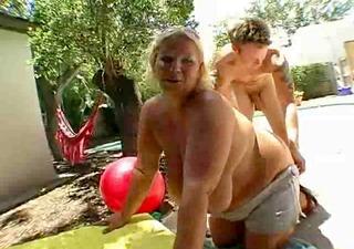 big mangos and bouncing abdomen
