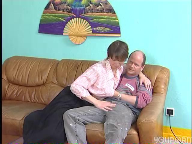 aged german widens her legs