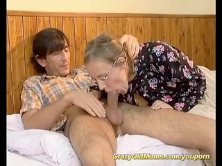 hairy mommys gazoo needs a youthful cock