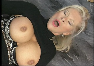sexy aged lady loves the hard pecker
