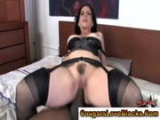 older slut receives cumshot