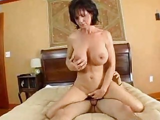 breasty mom deauxma squirts from anal!