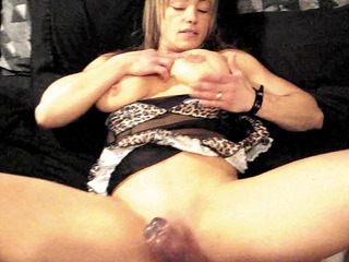 muscle chick, dildo, plump muff