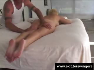 mommy tracy receives massage with cunnilingus end