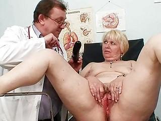 obese blonde mamma hirsute vagina doctor exam