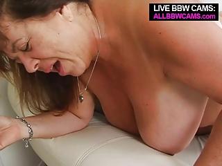 aged big beautiful woman tit fucking open pussy